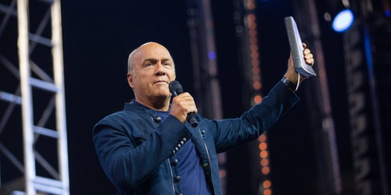 Greg Laurie, senior pastor of Harvest Christian Fellowship of California and Hawaii will host his 30th annual SoCal Harvest Crusade, Aug. 23 – 25.