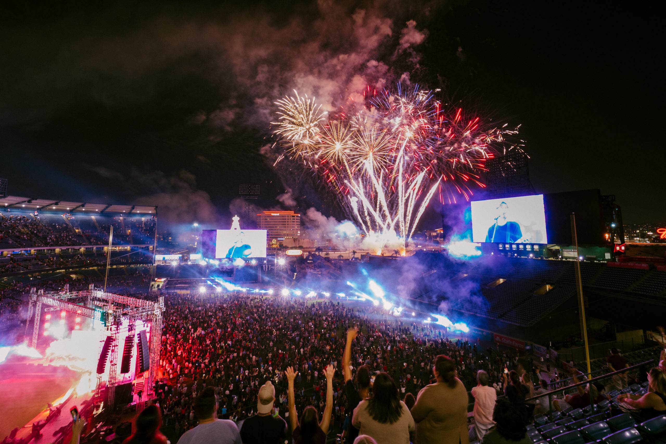 'You're noticed by God. You're loved by God': SoCal Harvest celebrates first in-person crusade post-pandemic with 6,000+ professions of faith